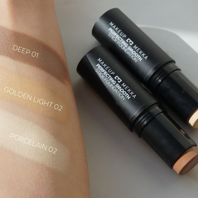 Perfecting Smooth Stick Foundation